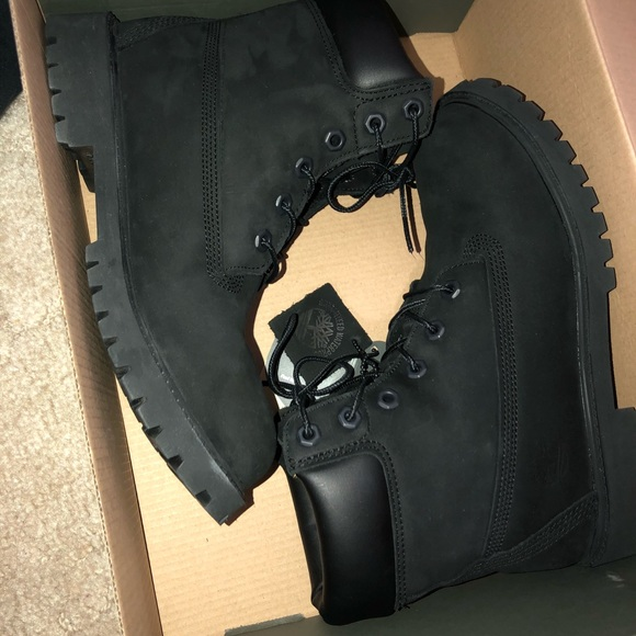 BRAND NEW IN BOX authentic black timberland boots NWT